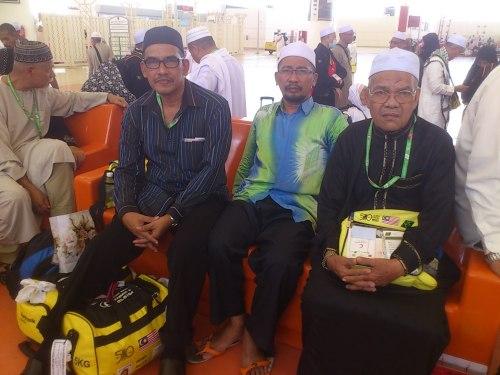 12.nov 2013 -dijeddah airport-menunggu flight balik ke Malaysia