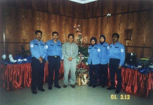 Lt Kdr Adam bersama senior rate SSC