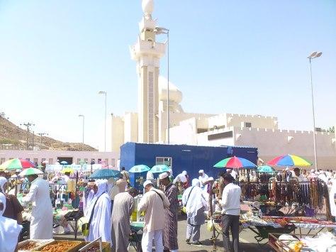 Mesjid Mudzalifah...salah satu miqat untuk berniat ihram.