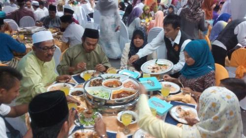Jamuan selepas majlis ijab kabul