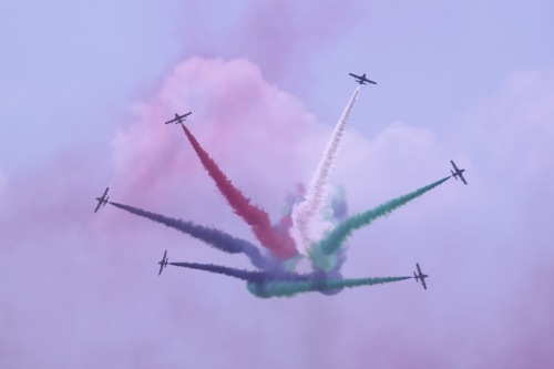 Tim aerobatic Al-Fursan UAE Airforce with armachi